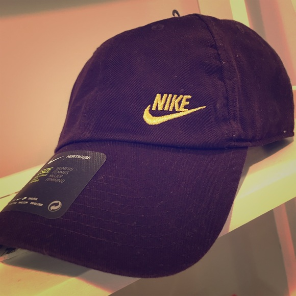 Nike women s hat  brand new  051ed02f2a